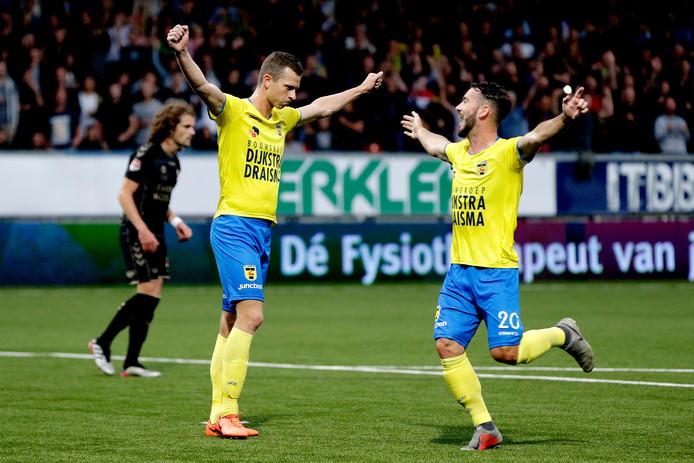 Robbert Muhren heeft SC Cambuur op 1-0 gezet tegen Go Ahead Eagles