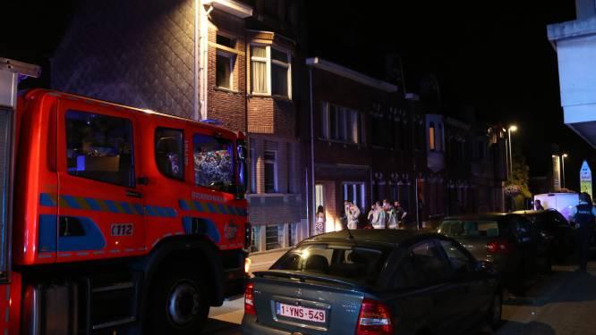 Straat zonder stroom nadat bewoner met boormachine in elektriciteitskabel boort