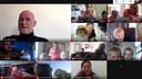 De kleuters van de uiltjesklas worden elke avond verwend met een special guest tijdens een webcamsessie. Hier praten ze met Bjorn Soenens, live vanuit New York.
