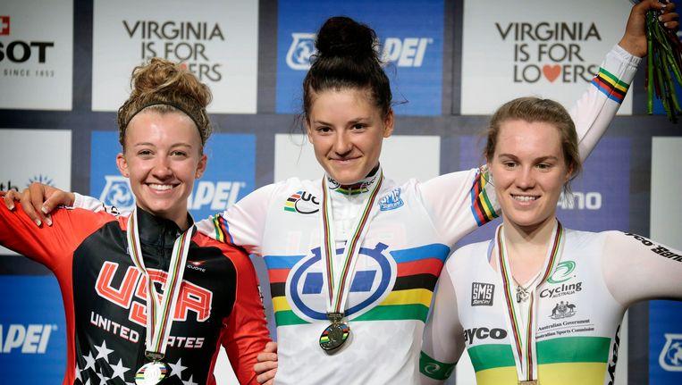 Het podium, met in het midden wereldkampioene Chloe Dygert. Beeld PHOTO_NEWS