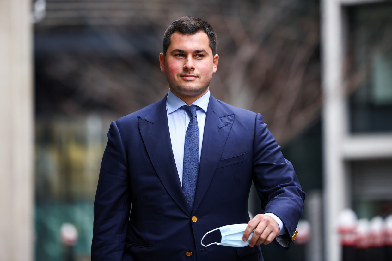 Temur Akhmedov, zoon van het (ex-)koppel, werd eerder dit jaar veroordeeld: hij zou met zijn vader hebben samengespannen om een deel van diens vermogen verborgen te houden voor zijn moeder.   Beeld REUTERS