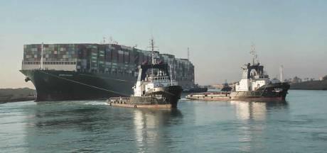 Nu het Suezkanaal vrij is verplaatst de opstopping zich naar Rotterdam