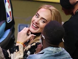 Adele is voor het eerst in lange tijd nog eens in het openbaar gefotografeerd