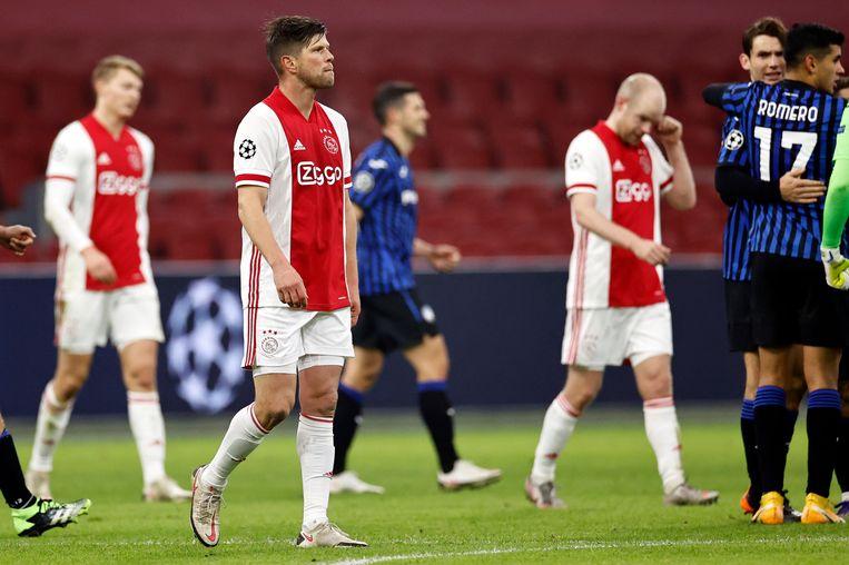 Klaas-Jan Huntelaar weet zich woensdag verslagen. Atalanta Bergamo gaat verder in de Champions League.   Beeld ANP
