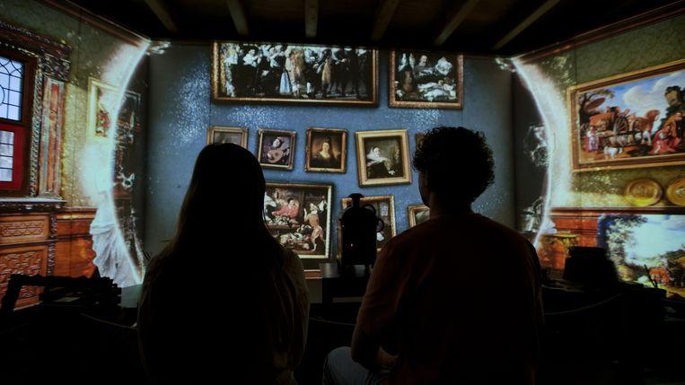 In Rembrandts Amsterdam  krijgen bezoekers aan de hand van videoprojecties en speciale effecten een inkijkje in de latere jaren van het leven van de Hollandse meester.   Beeld -