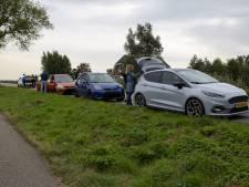 Vier Ford Fiesta's botsen op elkaar in Wilnis