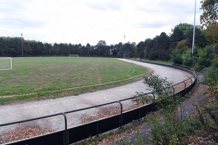 De oude piste in het Provinciedomein is versleten en werd dit jaar zelfs gesloten, waardoor de club geen piste meer heeft om te trainen.