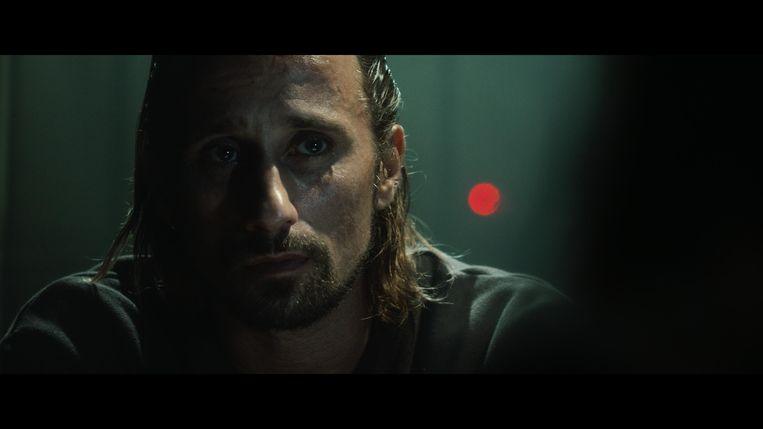 Matthias Schoenaerts in de korte film 'Zuur'. Beeld © VRT - Thomas Nolf