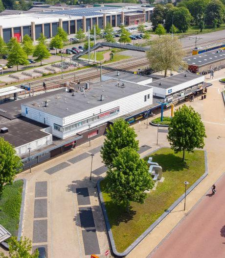 Terras, meer groen en hotel in de buurt? Dit zijn de plannen voor de renovatie van 'aftands' station Steenwijk