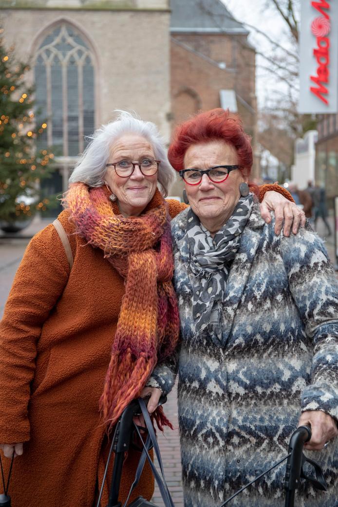 De vriendinnen Van der Veer (rechts) en Jager in Ede.