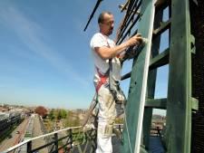 Enige molen van Dordrecht krijgt een nieuw likje verf