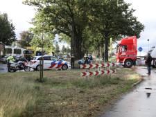 Fietser gewond na aanrijding met vrachtwagen op Morsweg in Rijssen