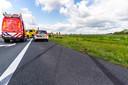 Hulpdiensten rukten massaal uit voor een auto in de sloot bij Terheijden
