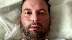 """Kerngezonde dertiger getuigt hoe hij ternauwernood corona overleefde: """"Ik voelde mijn longen kraken"""""""