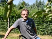 Kees Scholts uit Rumpt staat fit op de tennisbaan
