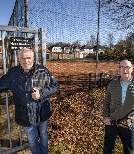 Gemeente zet huurders tennisbaan in Oldenzaal op straat: 'Dit is buitenproportioneel'