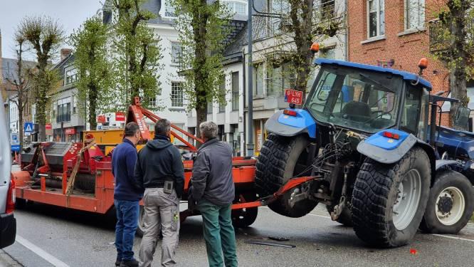Ongeval met tractor en twee andere voertuigen blokkeert Vrijheid