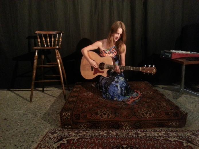 Iris Penning geeft een concert op 'geheime locatie' in Oss.
