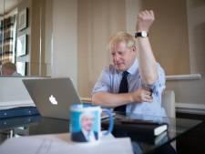 Spoken uit verleden brengen Boris Johnson in het nauw