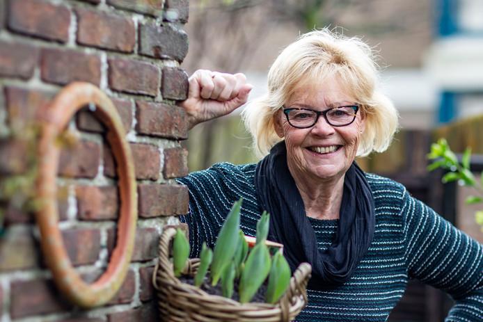 Gerda van der Valk was vroeger een verlegen mens, maar dat is door het toneel wel veranderd.