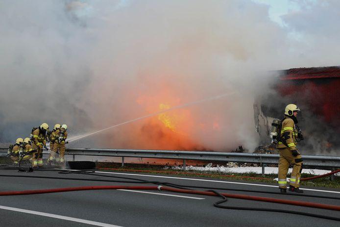 Ongeluk tussen vrachtwagens op A50