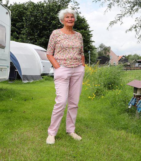 Maartje (78) kampeert ook zonder haar overleden man nog elk jaar bij De Groene Waard: 'Dat uitzicht van knotwilgen en paarden'