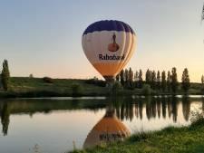 Luchtballonnen maken noodlanding en ontsnappen ternauwernood aan A12 bij De Meern