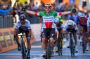 Sprinter Elia Viviani bewijst ook dit seizoen weer een van de snelste mannen te zijn van het peloton.