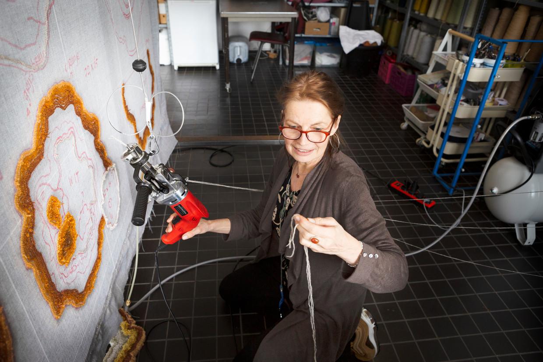 Lizan Freijsen in haar atelier in Rotterdam. Beeld Pauline Niks