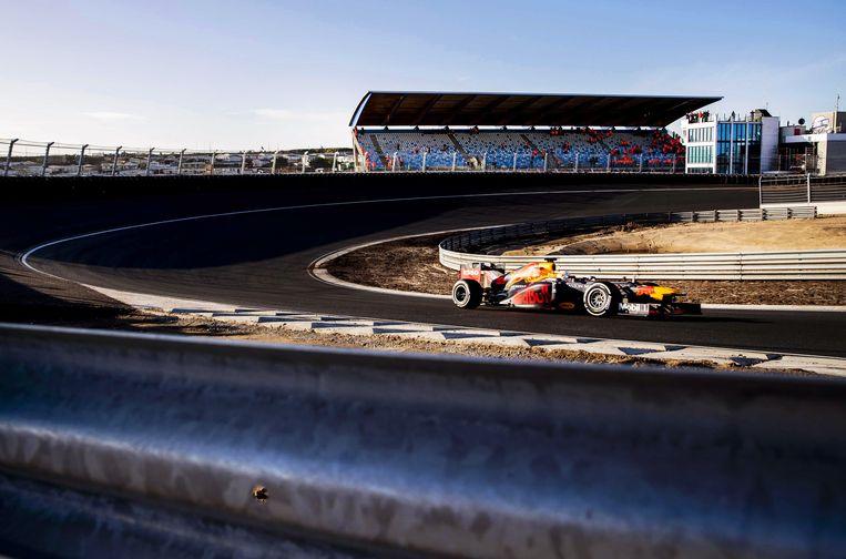 Max Verstappen of Red Bull Racing in actie op het vernieuwde Circuit Zandvoort. Beeld EPA