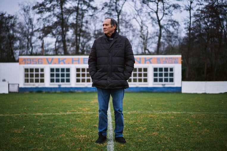 Ondervoorzitter Alfons Smedts (72) van VK Heindonk, een club die helaas op sterven ligt. Beeld Thomas Sweertvaegher