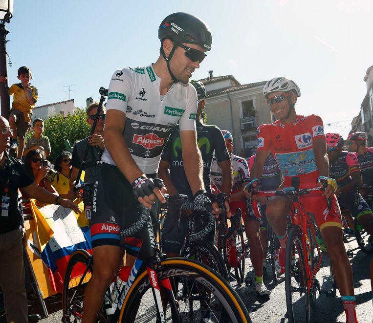 Tom Dumoulin en leider Fabio Aru samen aan de start Beeld PHOTO_NEWS