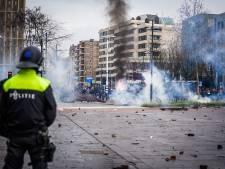 Relschoppers slopen terrassen en winkelruiten: 'De tafels en stoelen voor de zaak liggen nu kapot op de straat'