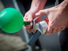 Jongeren hebben lak aan lachgasverbod in cafés in Veenendaal: 'Laat ons toch lekker'
