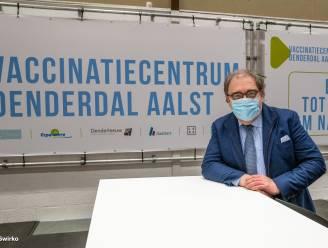 """Nee, burgemeester D'Haese kreeg nog geen vaccin: """"Verbijsterend wat burgemeester uit Sint-Truiden heeft gedaan"""""""