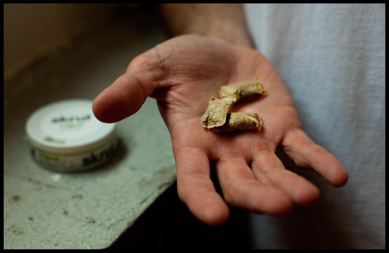 Nicotinezakjes zouden ontmoedigd moeten worden vanwege het schadelijke en verslavende karakter, aldus het RIVM.