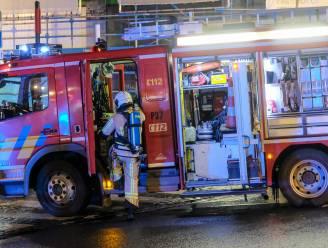 """Brandweer bekogeld met stenen na oproep over in brand gestoken containers: """"Het lijkt erop dat de Versailleswijk opnieuw op uitbarsten staat"""""""