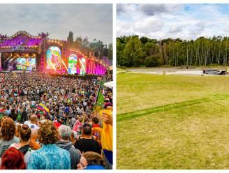 IN BEELD. De weide van Tomorrowland een jaar geleden en nu