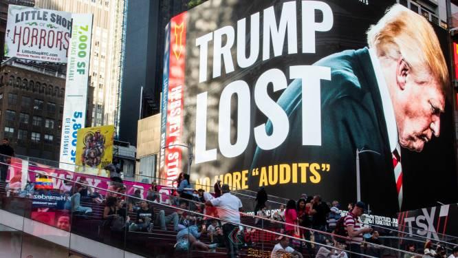 Gigantisch billboard op Times Square van groep Republikeinen roept Trump op te stoppen met aanvechten verkiezingsresultaten