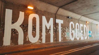 Straatkunstenaar stak zorgpersoneel hart onder de riem met tag 'Komt goed!' en moet nu naar politie voor vandalisme