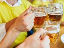 Gratis biertje na de wedstrijd kost Belgische clubs fiscaal de kop