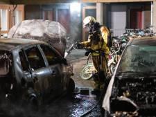 Felle autobrand in Zwolle: derde keer op dezelfde plek, eerdere brand had link met drugsoorlog