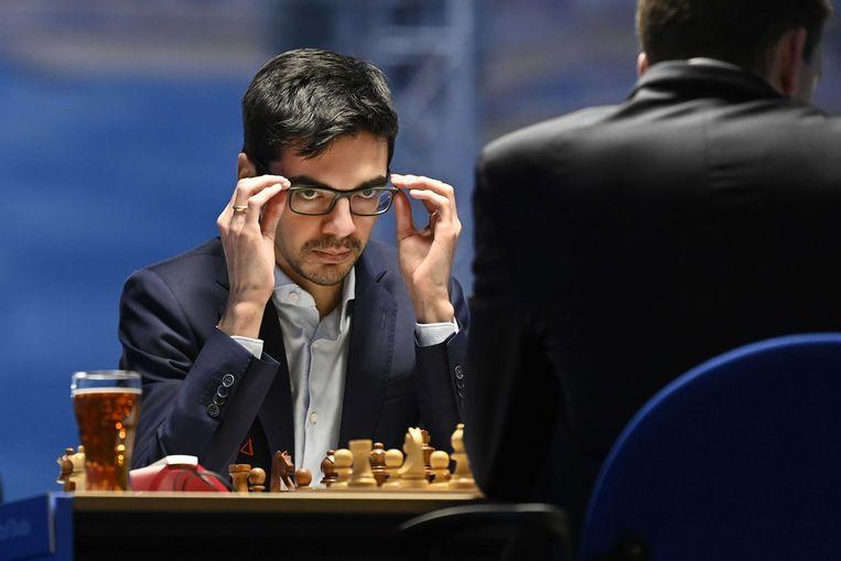 Anish Giri speelt tegen Jan-Krzysztof Duda in de vierde ronde van het internationale schaaktoernooi TataSteel Chess Tournament 2021, 19 januari.  Beeld ANP