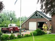 Oude Chevrolet op tijd gered bij brand in Kockengense loods