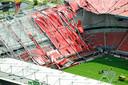 Luchtopname van het stadion van FC Twente in Enschede, tijdens de uitbreidingswerkzaamheden in juli 2011 stortte een deel van de dakconstructie in.