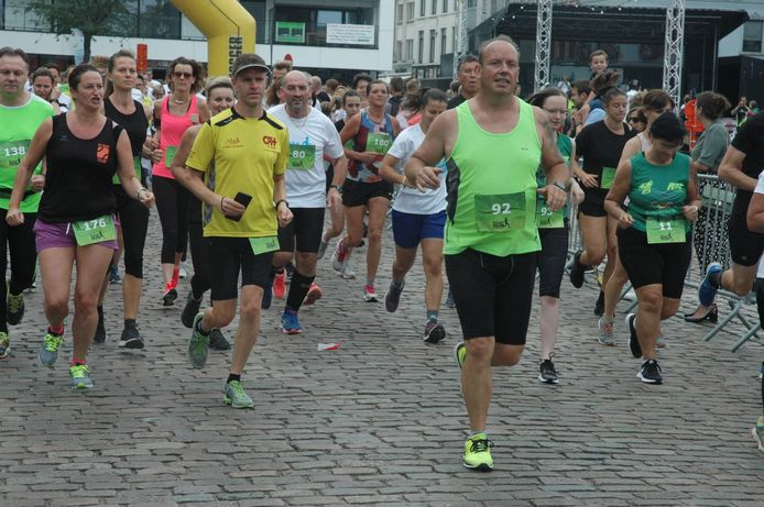 Ronse Run&Roll, aanvang van de deelnemers aan de 5 kilometer.