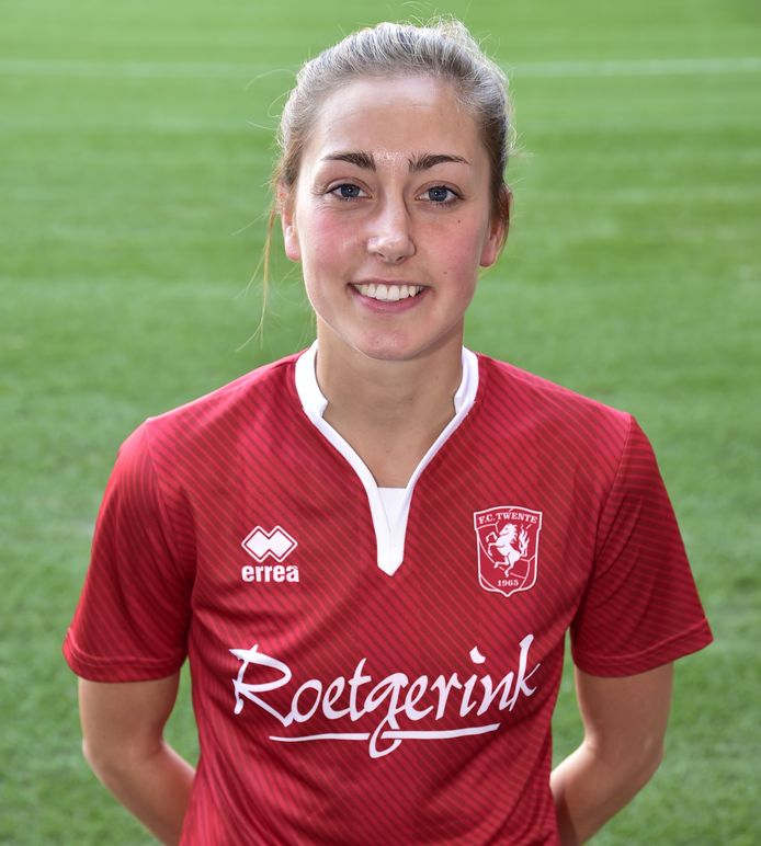 Suzanne Giesen speelde de afgelopen twee seizoen al voor FC Twente. Ze stopte, maar keert nu terug.