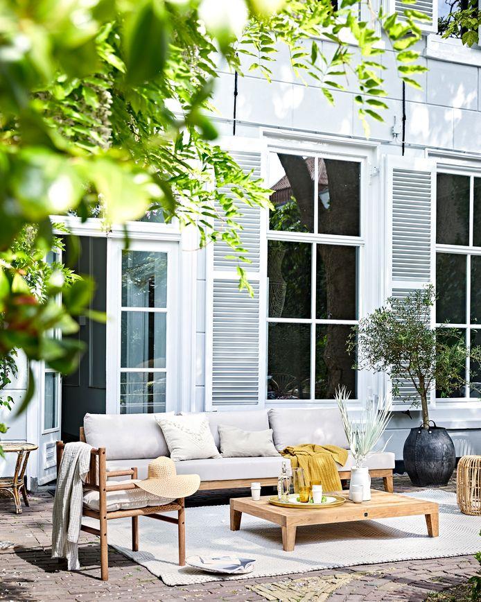 Hoe moet je houten terrasmeubelen onderhouden?