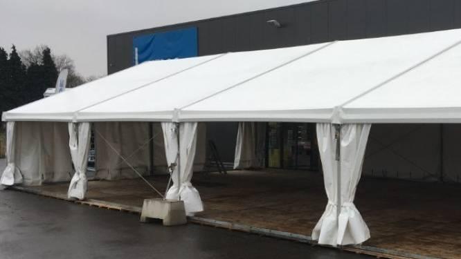Stevige weerbestendige tenten geven verenigingen kans om buiten te sporten