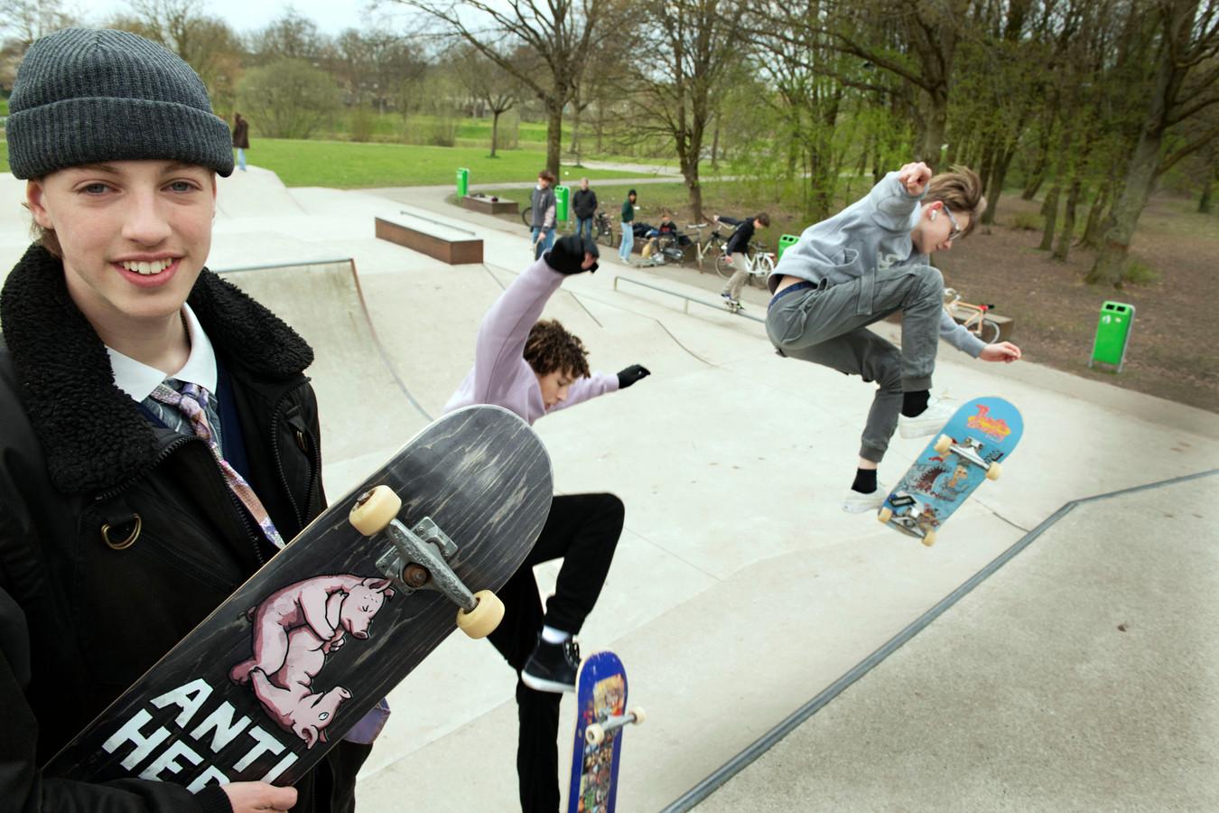 Jippe Buitenhuis (15) is een actie begonnen voor een nieuw skatepark in Houten.